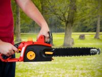 Tips for Safer Chainsaw Use